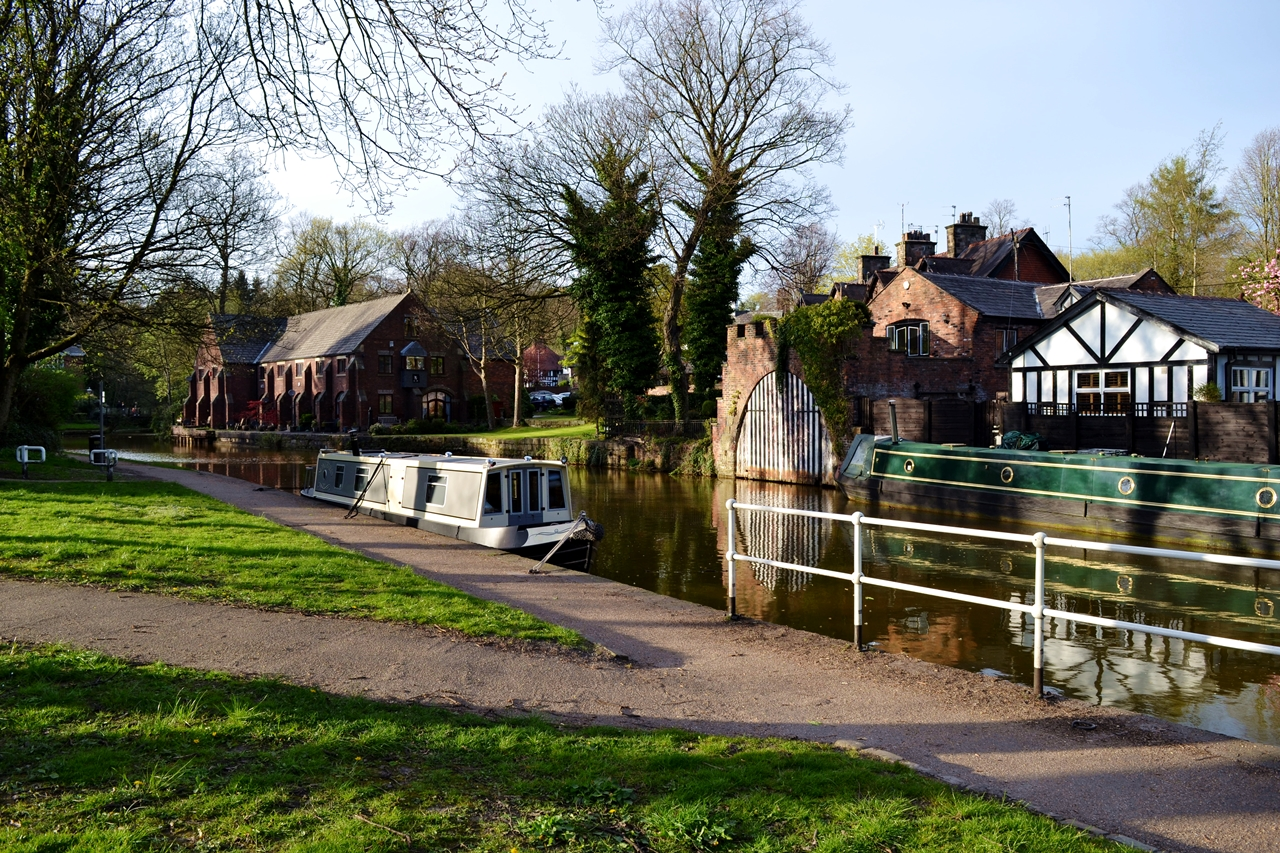 canal boats bridgewater worsley salford village