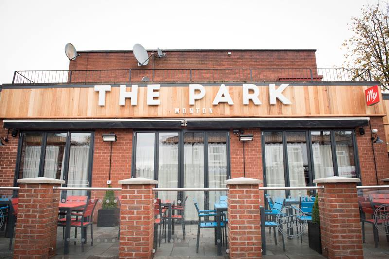 the park monton pub