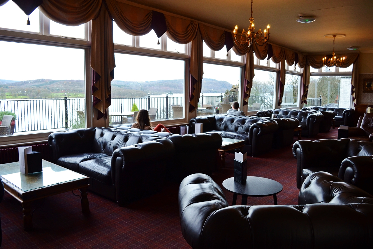 beech hill hotel bar lounge area