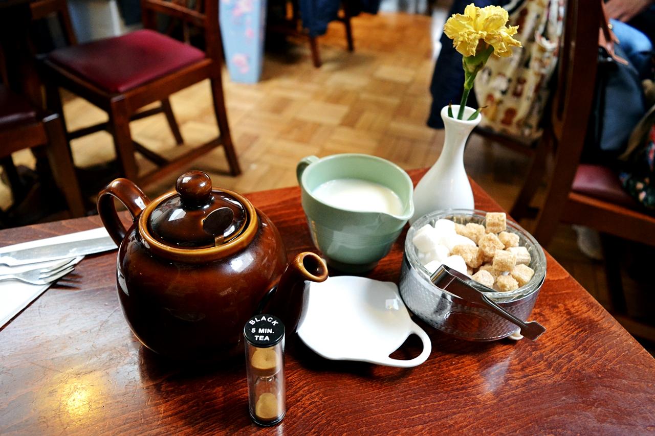 1940s tearoom fourteas stratford