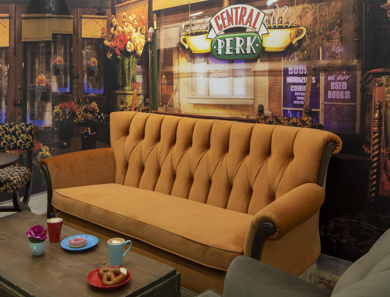 friends sofa primark