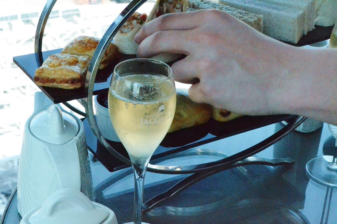 cloud 23 champagne jacquart free flowing