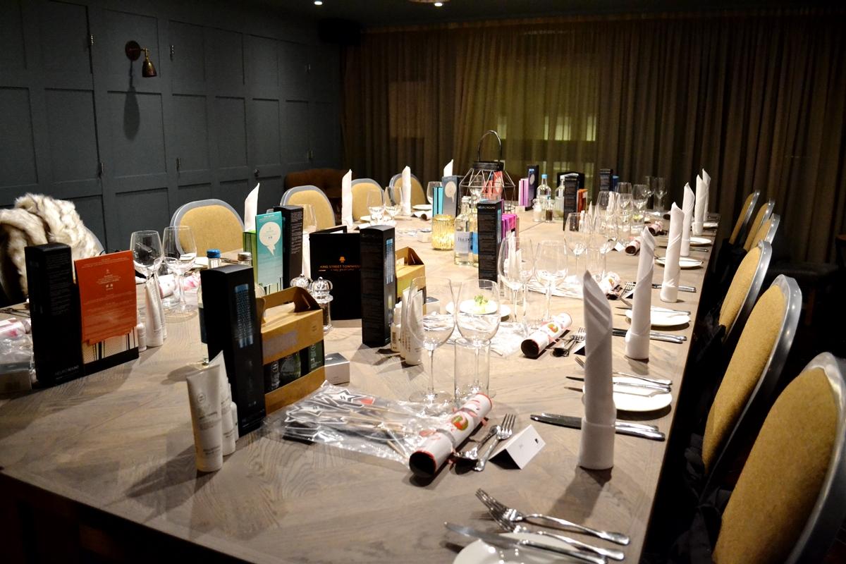 Salon Success Jingle Mingle Dinner