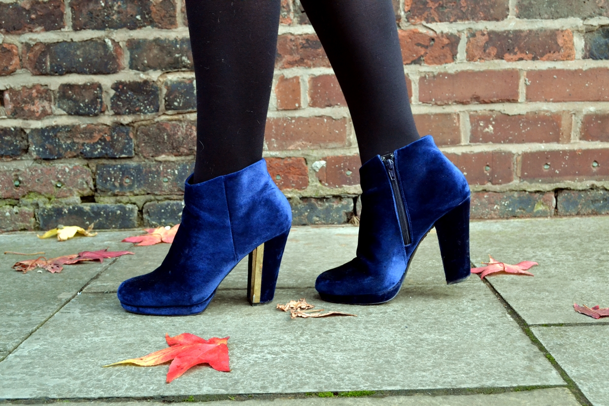 Trend Editorial: Texture Clashing Confidence new look blue velvet boots gold