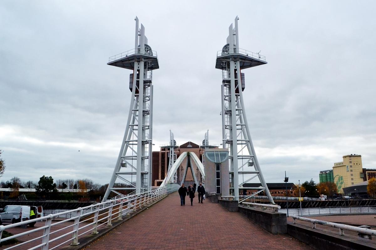 salford quays media city bridge