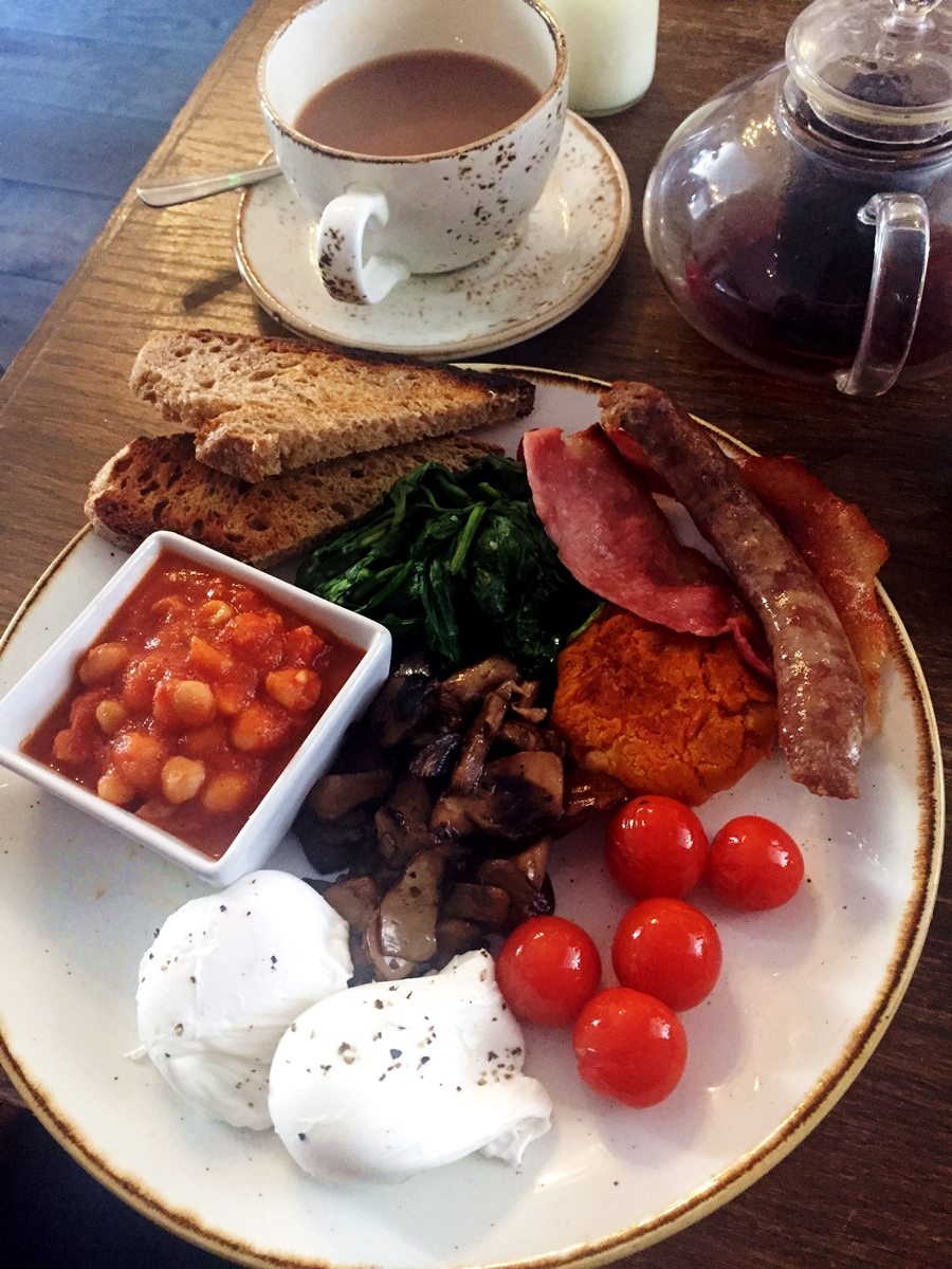 the garden hale breakfast full english