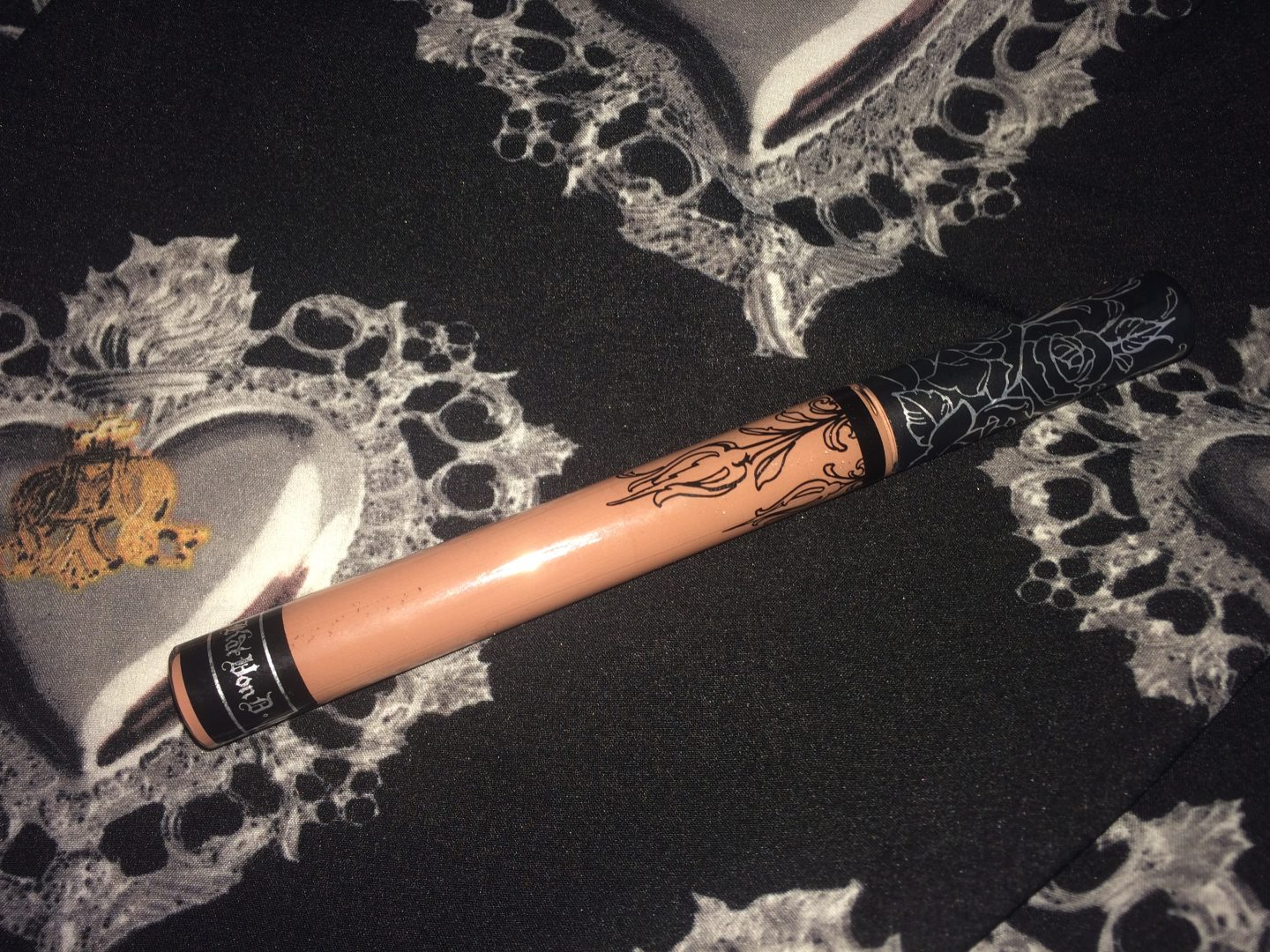 Kat Von D Bow'n'Arrow Everlasting Liquid Lipstick Review