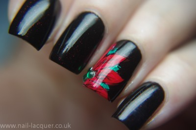 Poinsettia-nail-art (5)