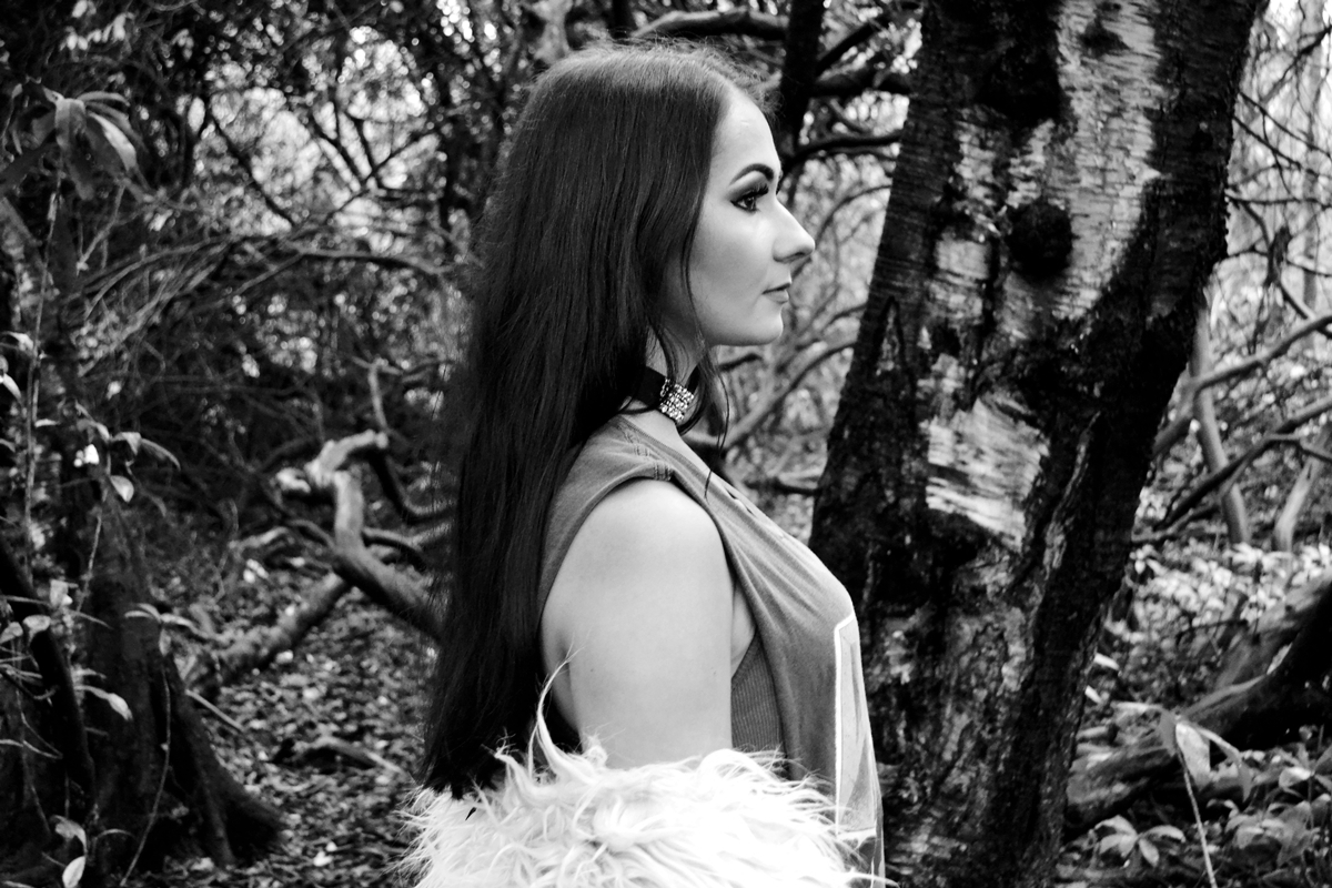 trend editorial glam rock woods grunge style heaton park manchester side profile model