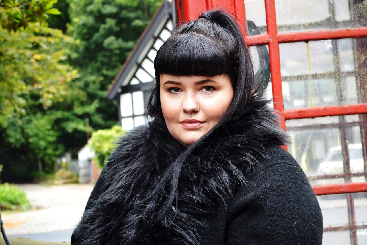 phonebox british alternative fashion magazine curvy model