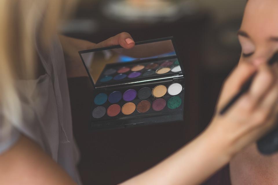 bright eyeshadow palette mua