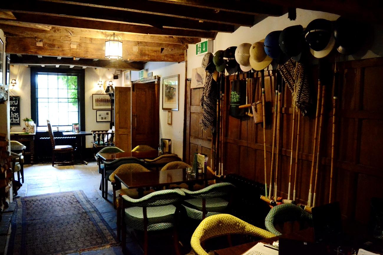 polo pub countryside cheshire